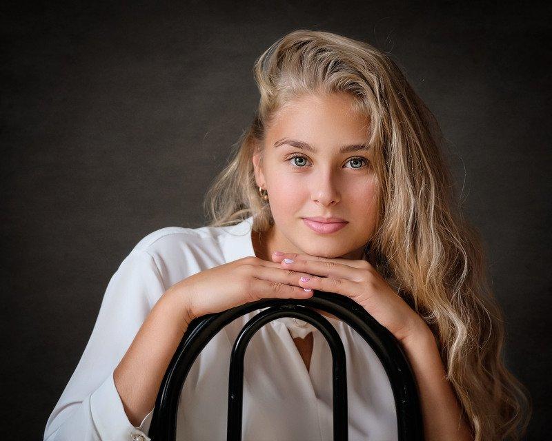 девушка, портрет Ольга фото превью