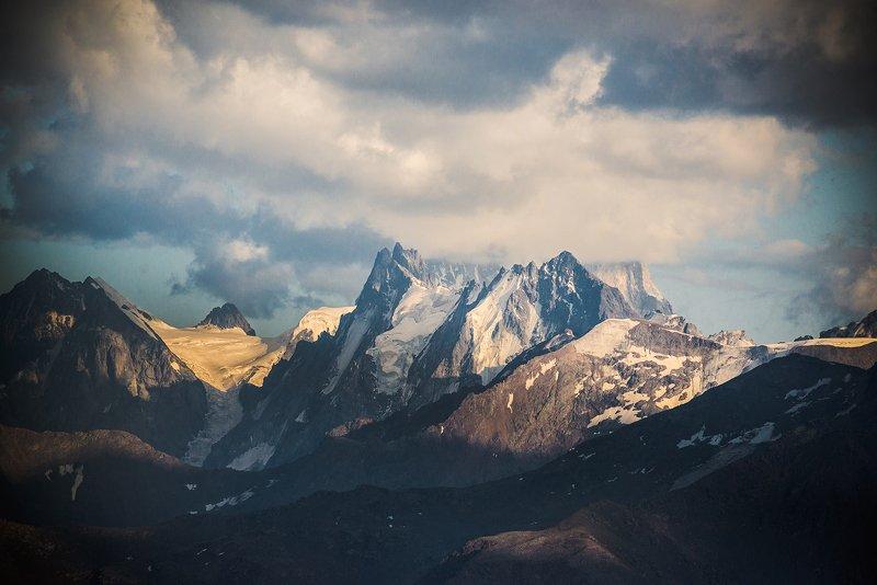 кавказ, ушба гора Ушбаphoto preview