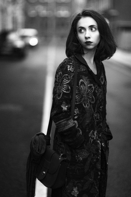 портрет, уличный портрет, женский портрет, люди, portrait,woman portrait, street, people, portrature, blackandwhite, monochrome, ***photo preview