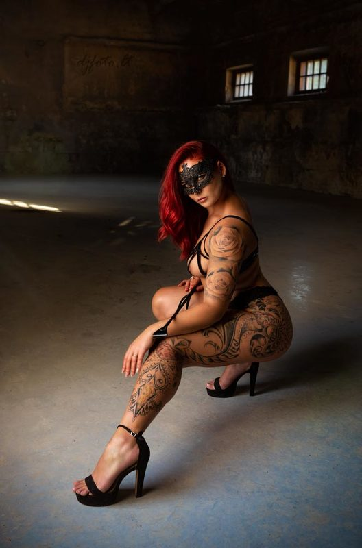 djfoto, nudevilnius, abandoned, abandoned beauty, urbex Red Codephoto preview