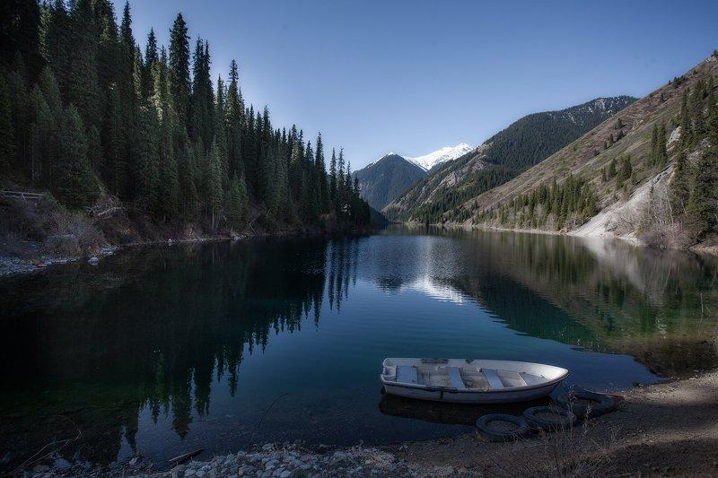 пейзаж,озеро,лодка,утро,голубой Одинокая лодка.photo preview