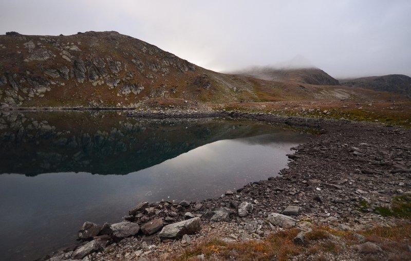 горы, озеро, облака, отражения Засыпающие горыphoto preview