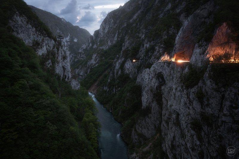 krubek, черногория, каньон, река пива, сумерки Прорывphoto preview
