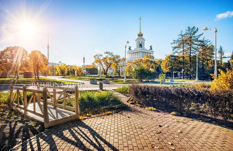 москва, вднх, осень Центральный павильон ВДНХphoto preview