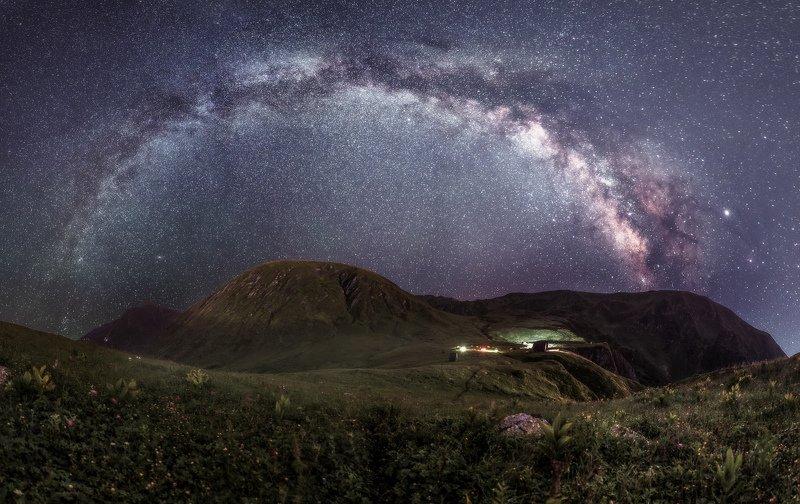 Сочи, горы, пейзаж, Красная Поляна, Бзерпский карниз, горы, лето, ночь, млечный путь Звездная аркаphoto preview