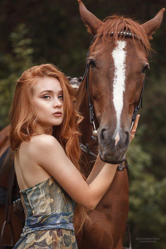 рыжая девушка, рыжие волосы, рыжий конь, фотосессия с лошадьми ***photo preview