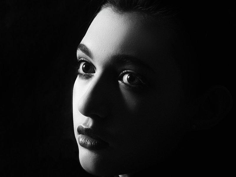 kaliot, portrait, black, blackandwhite Black portraitphoto preview