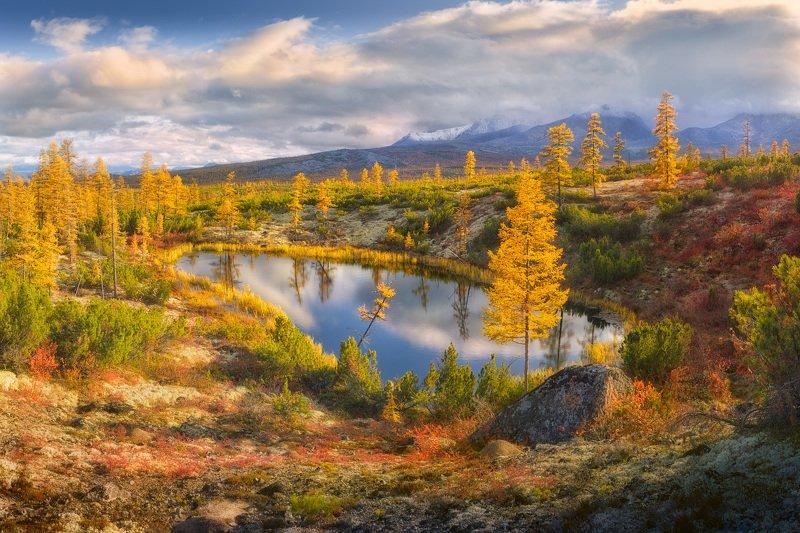 колыма, осень, озеро Зеркало в оправе осениphoto preview