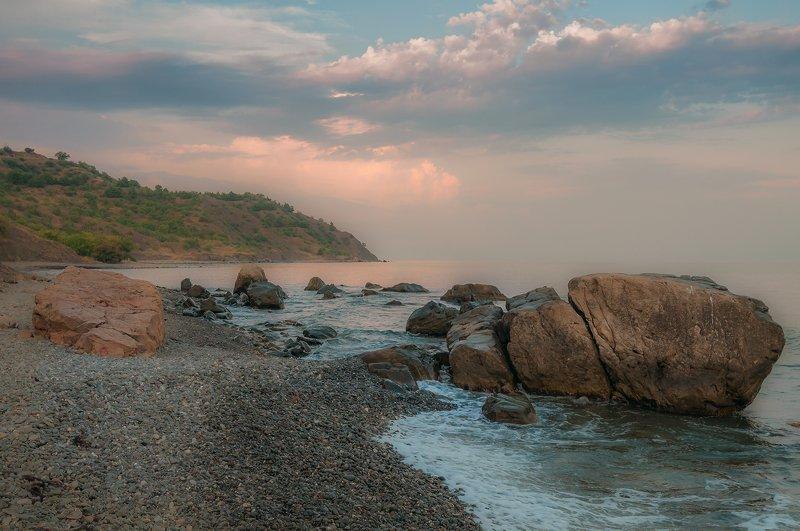 крым, пейзаж, лето, вода, море, утро, камни, сотера, рассвет, облака, горы Нежное пробуждениеphoto preview