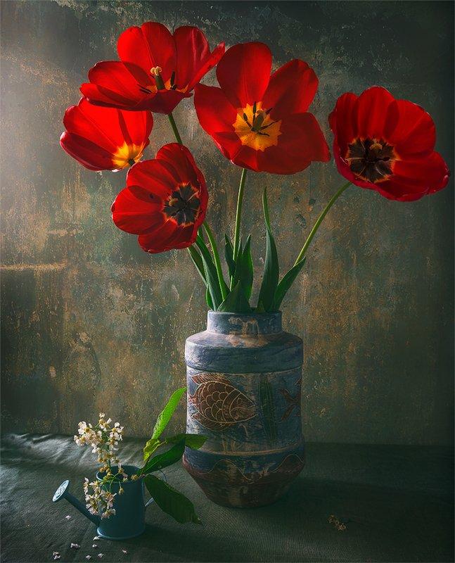 still life, натюрморт,    винтаж,    цветы,  тюльпаны, букет, ваза, лейка, натюрморт с тюльпанамиphoto preview