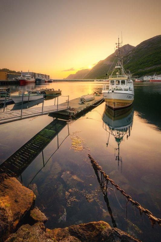 норвегия, сенья, senja, norway, рассвет, dawn, хусёй, husoy, корабли, рыбаки Рыбацкий городок Хусёйphoto preview