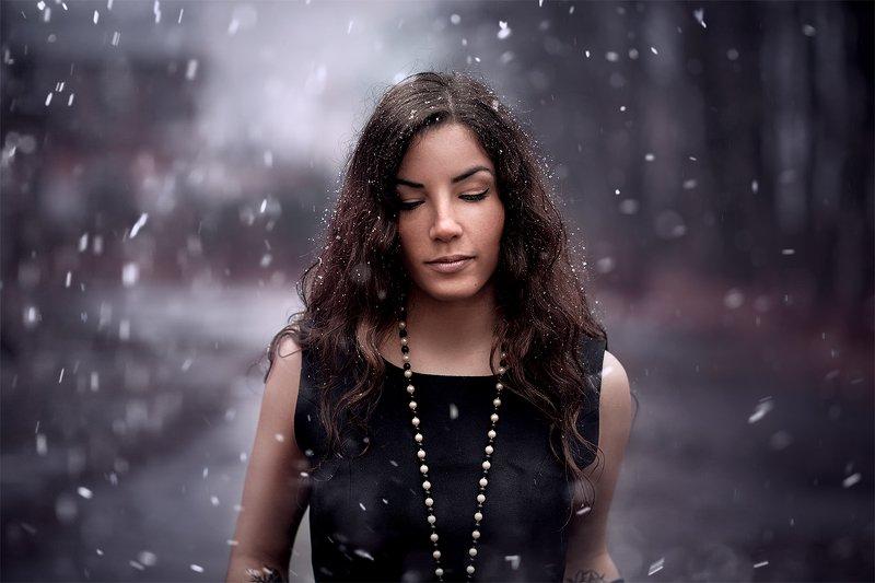 портрет, девушка, снег первый снегphoto preview