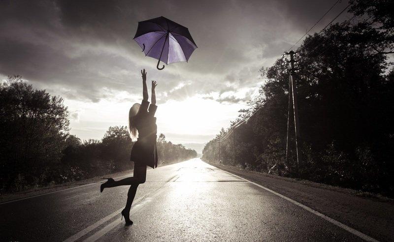 девушка, черно-белое, зонт К мечтеphoto preview