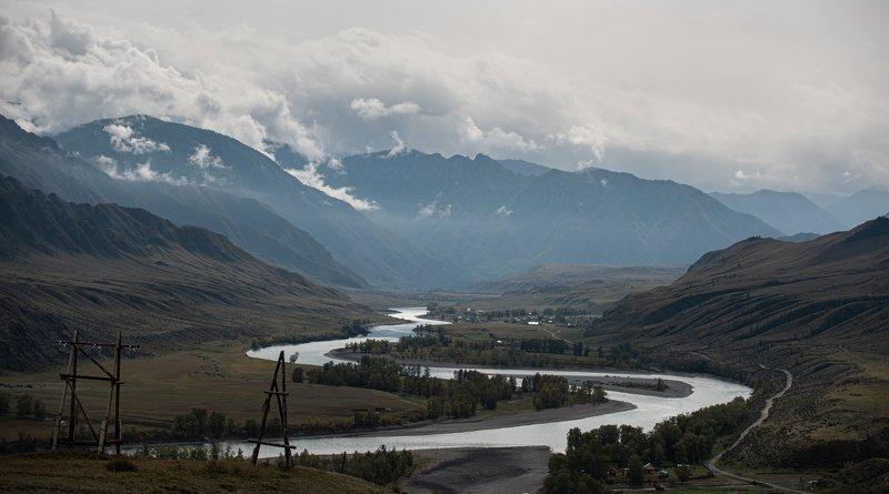 Алтай, пейзаж, горы в облакахphoto preview