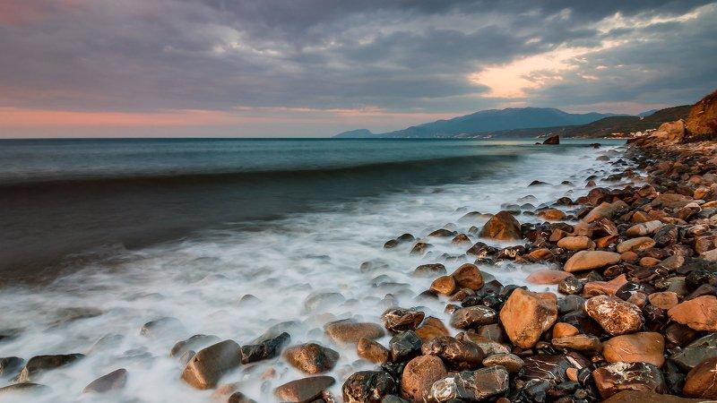 крым, пейзаж, лето, вода, море, утро, камни, сотера, рассвет,  облака, горы Рассветные камушкиphoto preview