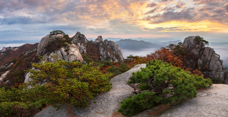 rocks,clouds,mountain,range,peak,hiking,fog,rugged,nationalpark,sunrise Autumn in Dobongsanphoto preview