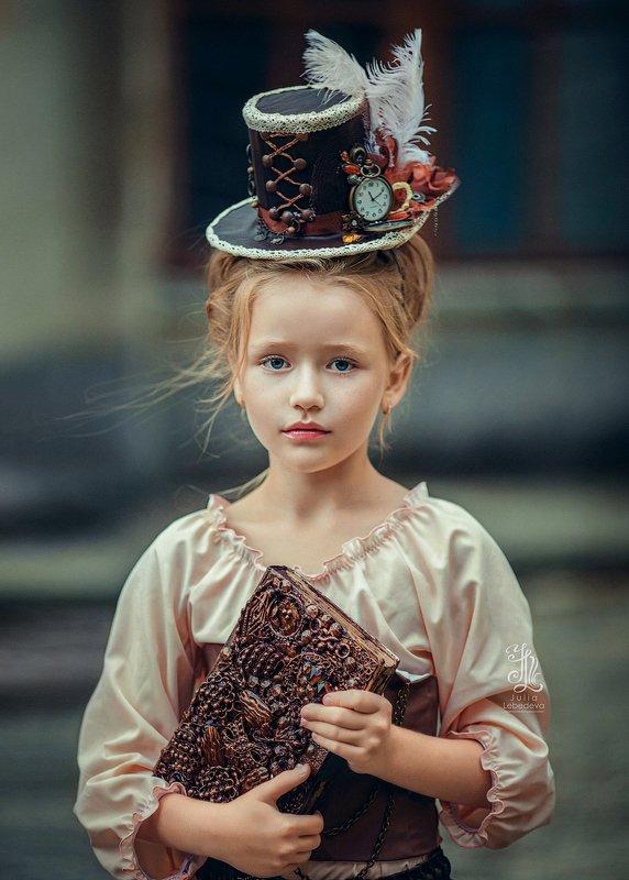 #girl #portrait #beauty #lady #135mm #pretty photo preview