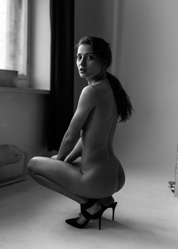 фотомодель, портрет, чб, девушка, красивая, взгляд, черно-белое, woman, beautifull, portrait, black & white, monochrome, canon6d, toples, nude, sexy Ксюшаphoto preview