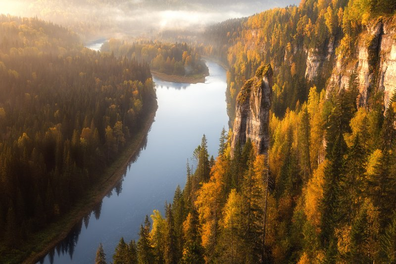 пермский край, усьва, золотая осень, осенний лес, осенний пейзаж, река, россия, туман, чертов палец,усьвинские столбы, аэрофото, mavic pro, панорама Осень на Усьвинских столбахphoto preview
