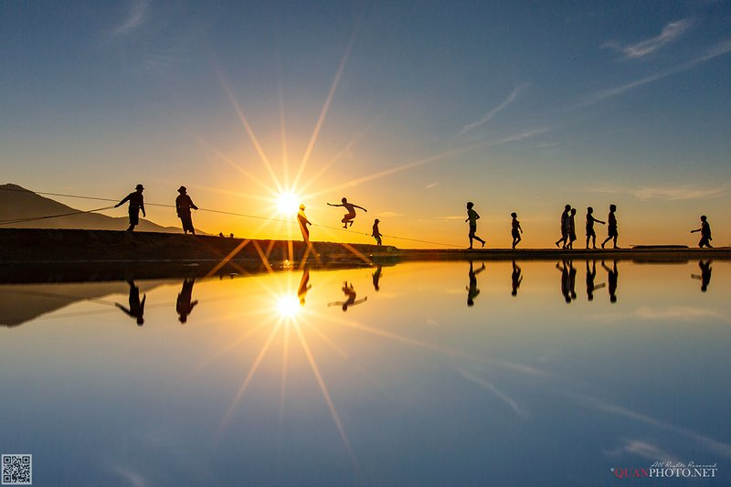 quanphoto, landscape, morning, reflections, sunrise, dawn, exercise, beach, people, vietnam Reflections фото превью