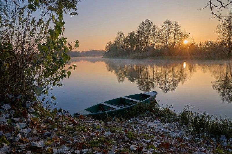 sunrise, dawn, boat, autumn Quiet sunrisephoto preview
