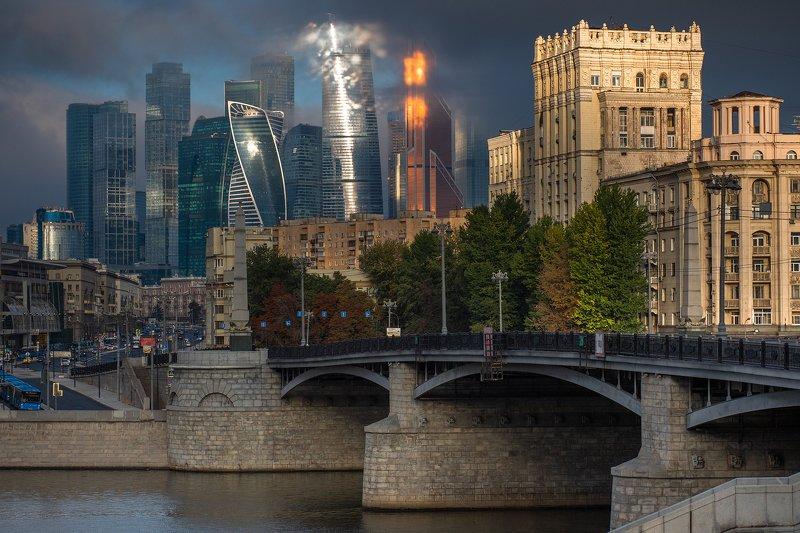 город, москва, высотки, небоскребы, бородинский, мост, дорогомилово, облака, туман, солнце Небоскребы Москва-Сити и Бородинский мост.photo preview