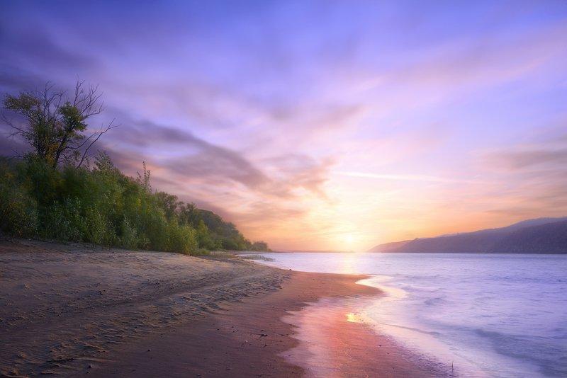 ...На брег песчаный и пустойphoto preview