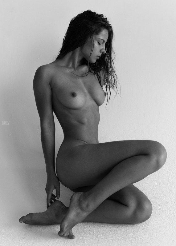 фотомодель, портрет, чб, девушка, красивая, взгляд, черно-белое, woman, beautifull, portrait, black & white, monochrome, canon6d, toples, nude, sexy Юляphoto preview