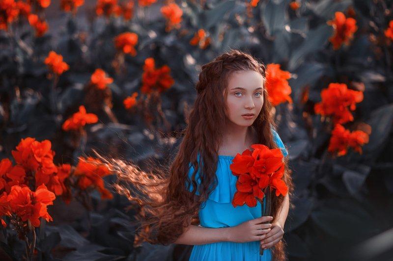 контровой свет. девочка. цветы Спокойствие и безмятежностьphoto preview