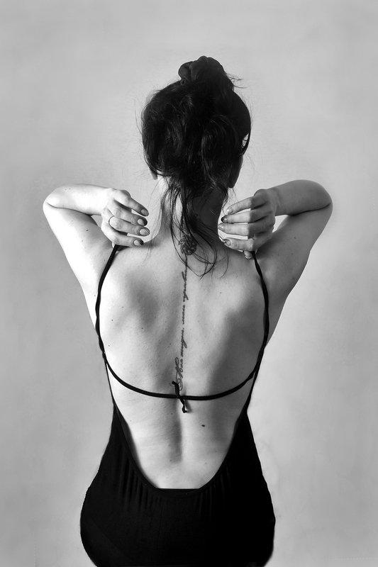 женщина, силуэт, чб, апатиты Черное и белоеphoto preview
