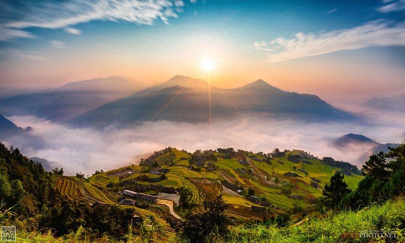 quanphoto, landscape, morning, sunrise, dawn, valley, mountains, clouds, rice, terraces, sunlight, farmland, agriculture, culture, rural, vietnam Golden Rice Terraces at Dawnphoto preview