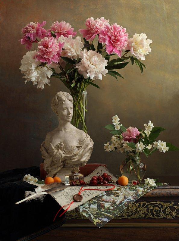 цветы, пионы, девушка, скульптура, фрукты Натюрморт с цветами и бюстом девушкиphoto preview