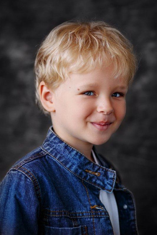 дети портрет студия Максимphoto preview