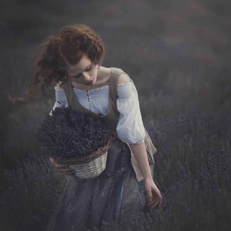 #lavenda #storytelling #vintage #portrait Windy dreamsphoto preview