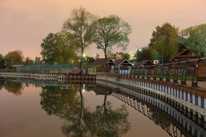 Пыхтинский пруд, Москваphoto preview