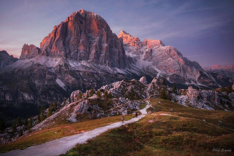 mountains, dolomites, italy, landscape, mountainscape, sunset, path, light, colors, autumn, warm, people, composition, horizon, Purple duskphoto preview
