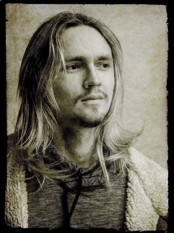 Портрет молодого человека.photo preview
