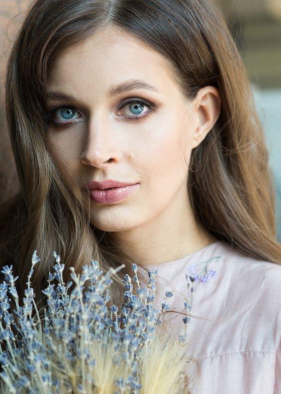 женский, портрет, крупный, план, глаза, волосы, красивая, девушка Светаphoto preview