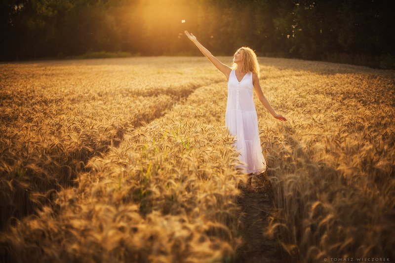 girl, woman, beautiful, light, summer, soft, softly, field, sexy, white, touch, polish, grain, colours, sun, awesome, funny, sunset, sunrise, colours, body Softly фото превью