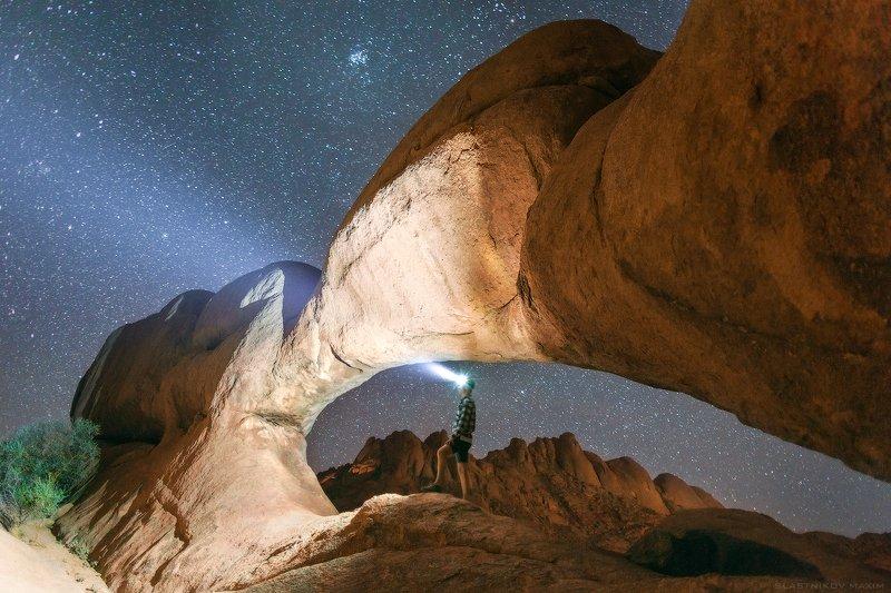 намибия, песок, звезды, ночь, арки, камень, горы, пики, африка, юг, пустыня, туманность, млечный путь, галактика, путешествия, свет Шпицкоппphoto preview