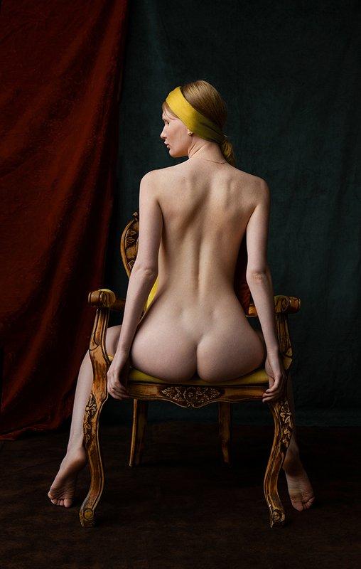 fine art nudes Сидящая обнаженная.photo preview