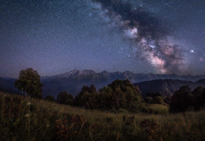 Сочи, горы, Красная Поляна, пейзаж, лето, ночь, звездная ночь, Млечный путь Спящие горыphoto preview