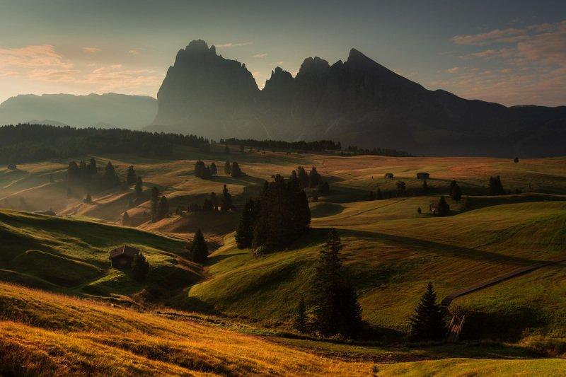 италия, доломиты, горы, облака, восход, осень, природа, landscape, italy, dolomites, golden hour, golden light, sunrise Солнечное начало нового дня.photo preview