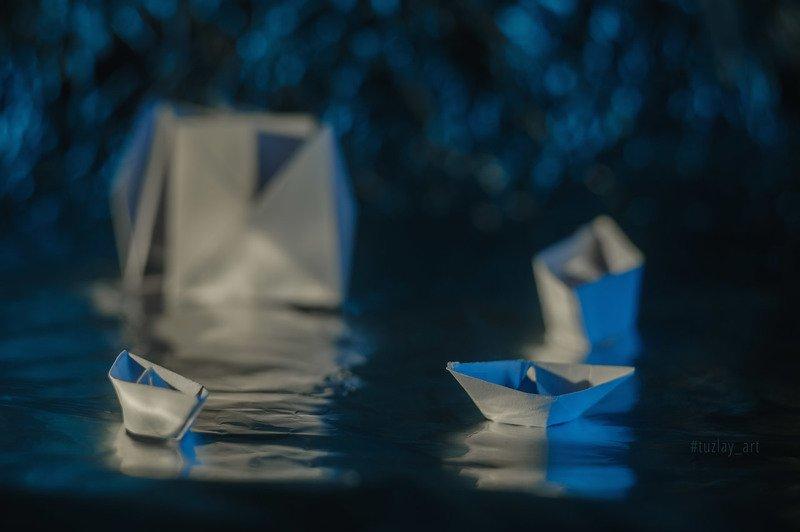 бумажный кораблик, боке, софт фокус Про корабликиphoto preview