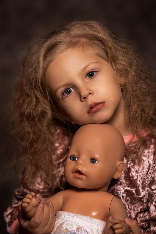 девочка, портрет, студия, кукла ***photo preview