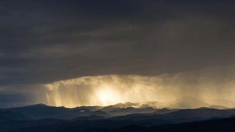 Свет в темнотеphoto preview