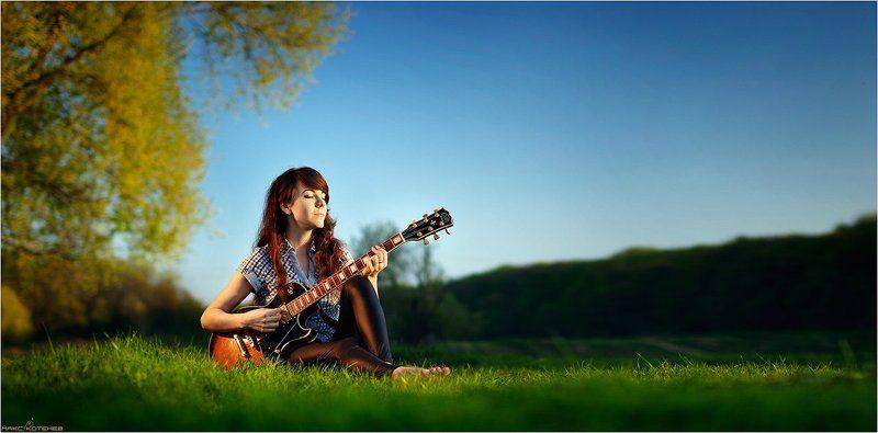 девушка, весна, гитара photo preview