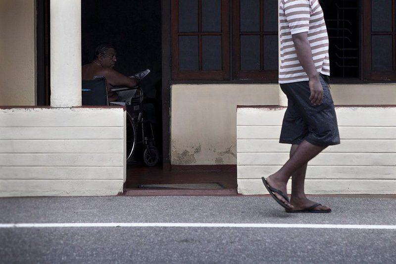 калека, шри-ланка, коляска инвалидная, линии *photo preview