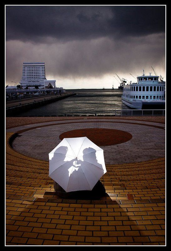 umbrella, strobist, japanese, portrait Under One Umbrellaphoto preview