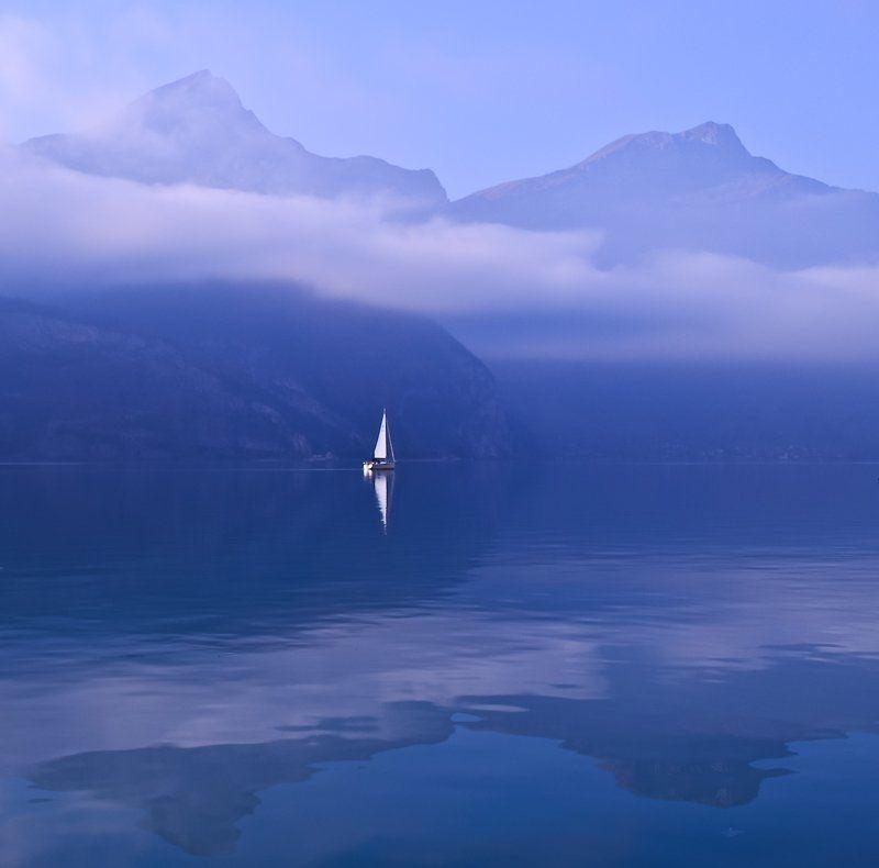 отражения., озеро., горы., яхта., швейцария Вetweenphoto preview